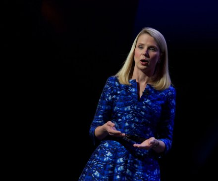 Yahoo to spin off Alibaba stake