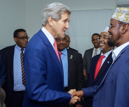 Kerry makes historic trip to Somalia to show American support