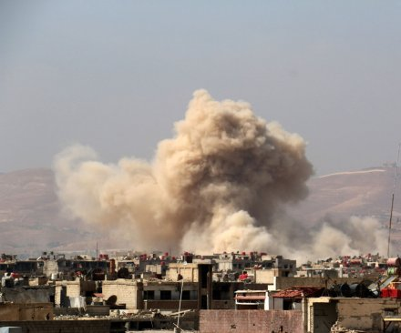 Western and Russian airstrikes enable heavy offensives in Iraq and Syria
