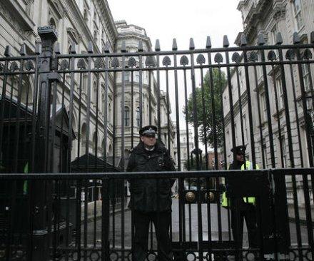 U.K. raises threat level to 'severe,' citing Iraq and Syria developments