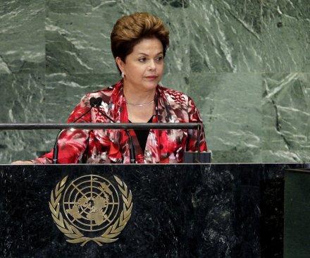 Brazil's presidential election enters its final week amid Petrobras scandal