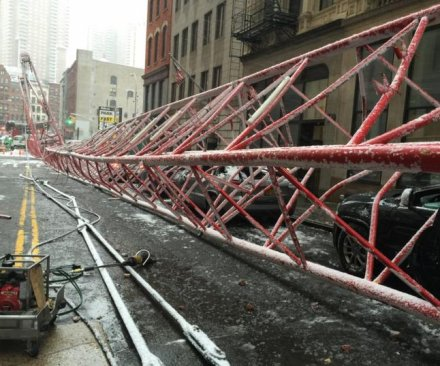 Video shows New York City crane collapse, one dead