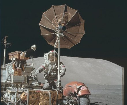 NASA releases thousands of Apollo mission photos on Flickr