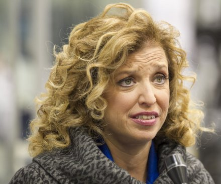 Democratic Party leader Debbie Wasserman Schultz ousted from convention