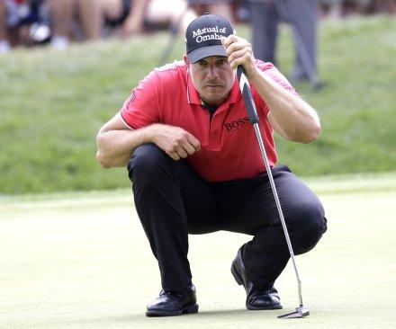 Henrik Stenson takes club lead at PGA Championship