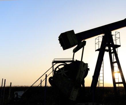 API: U.S. leverage hurt by oil export ban