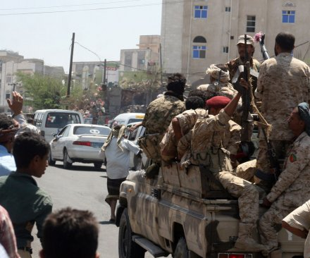 More than 1,000 prisoners, some al-Qaida, escape Yemeni prison