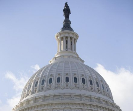 Dems agree to avoid gov't shutdown, but pledge more efforts to support U.S. miners