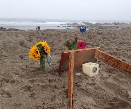Oregon girl dies at beach after sand pit collapse