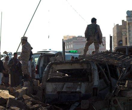 Airstrike hits refugee camp in Yemen, killing 29
