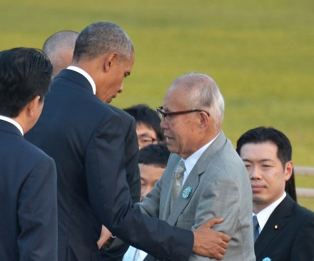 Obama meets survivors in emotional visit to Hiroshima memorial