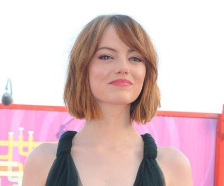 Emma Stone debuts short hair at premiere of 'Birdman'