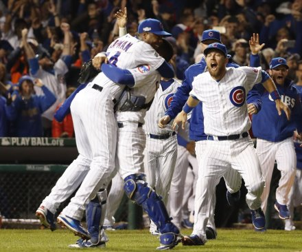 Cubs shut out Dodgers to advance to World Series