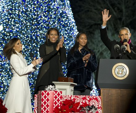 Obamas illuminate National Christmas Tree for final time