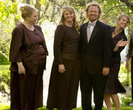 Federal judge strikes down polygamy ban in Utah
