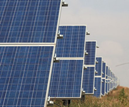 Germany's E.ON eyes U.S. solar market