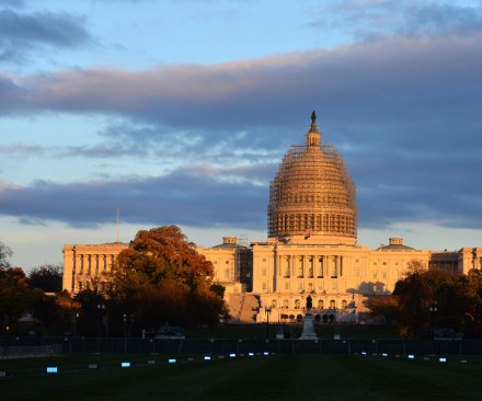 Congress passes last-minute bill to fund DHS for another week