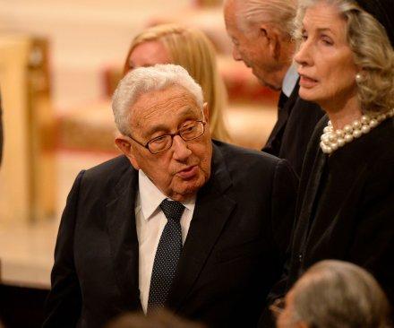 Henry Kissinger visits China to ease concerns amid Trump transition