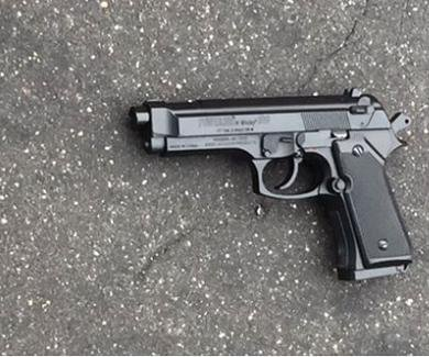 Baltimore police shoot, injure teen with replica gun