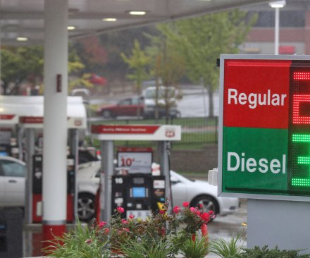 AAA: Much of holiday travel expense goes to fuel