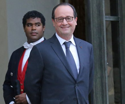 French President Hollande announces new cabinet 24 hours after dissolving government
