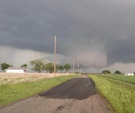 Large tornado touches down in Oklahoma