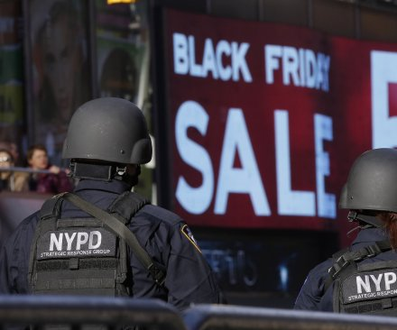 'Black Friday' losing ground to 'cyber anyday' for holiday shopping, numbers show