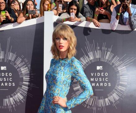 Taylor Swift named People magazine's 'Best Dressed' celebrity