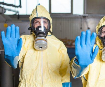 Hong Kong to begin using ebola questionnaire at airport