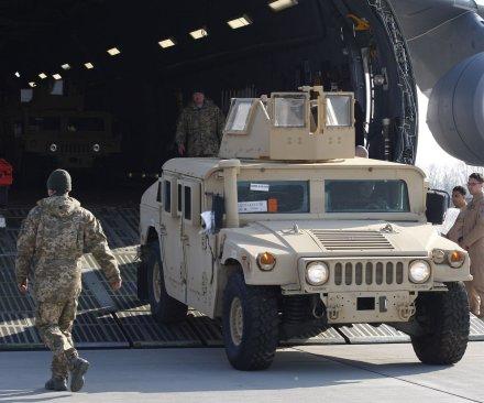 U.S. troops arrive to train Ukrainian army