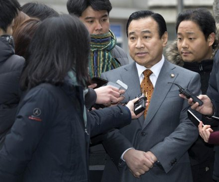 South Korean prime minister resigns after businessman's suicide