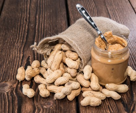 Peanuts offer health benefits equal to those of pricier nuts