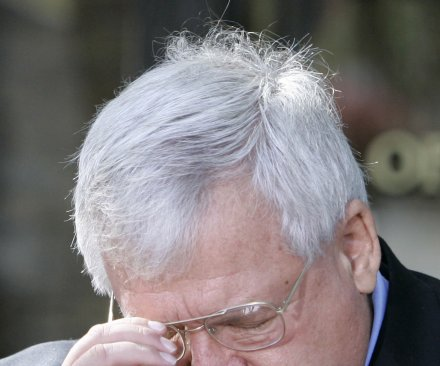 Indictment: Ex-House speaker Hastert averted bank laws to pay 'hush money'