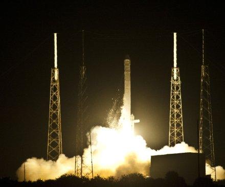 SpaceX to attempt landing a rocket on ocean platform