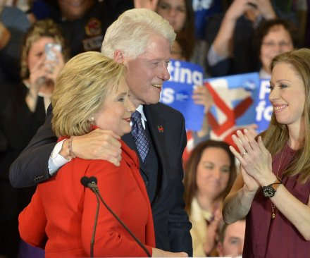 Chelsea Clinton will remain on Clinton Foundation board after election