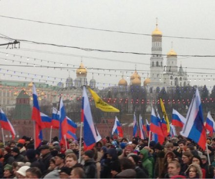 Thousands march near Kremlin to mourn slain opposition leader Boris Nemtsov