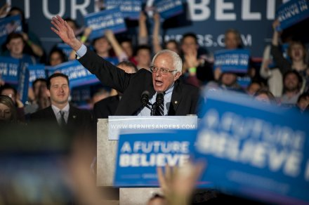 Early New Hampshire results: Sanders and Trump in the lead