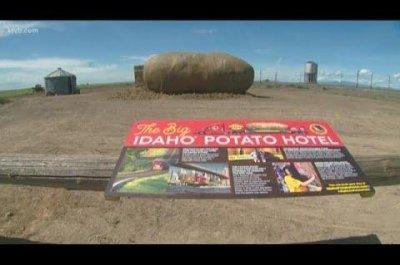Giant potato sculpture converted into Big Idaho Potato Hotel