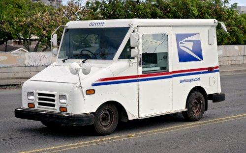 USPS worker shot, killed while making deliveries; suspect arrested
