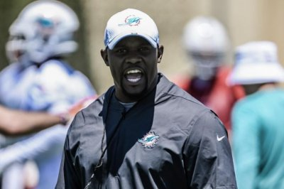 Dolphins coach Brian Flores impresses players with Kendrick Norton injury reaction