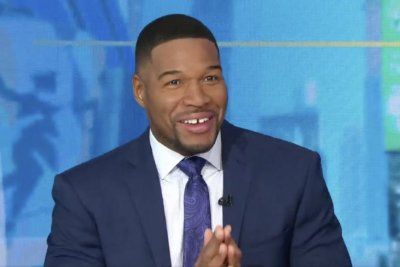 Michael Strahan returns to 'GMA' after recovering from COVID-19