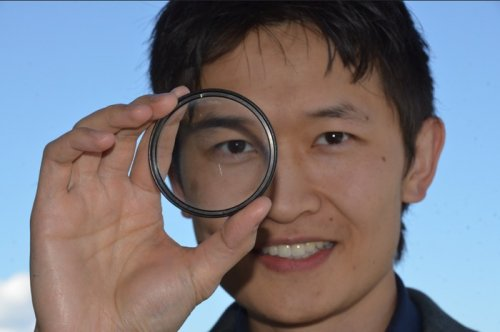 Spray-on technology creates revolutionary flat optical lens