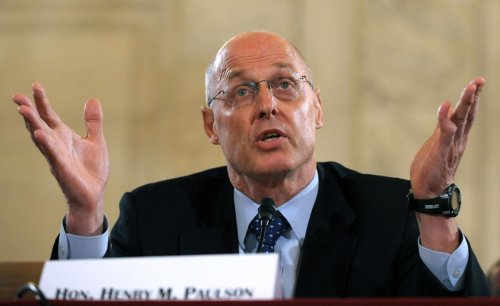 Paulson says bank pay is 'out of whack'
