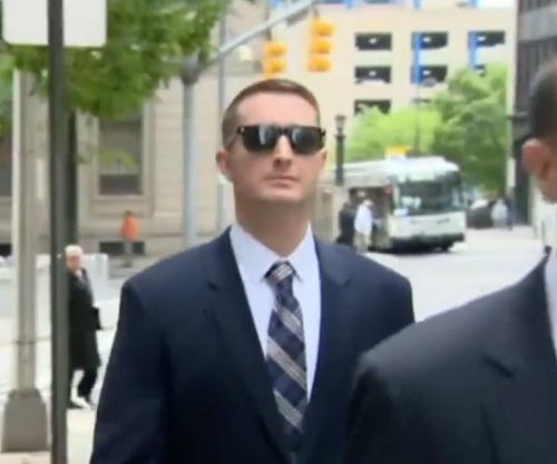 Prosecution: Baltimore police officer had no legal reason to arrest Freddie Gray