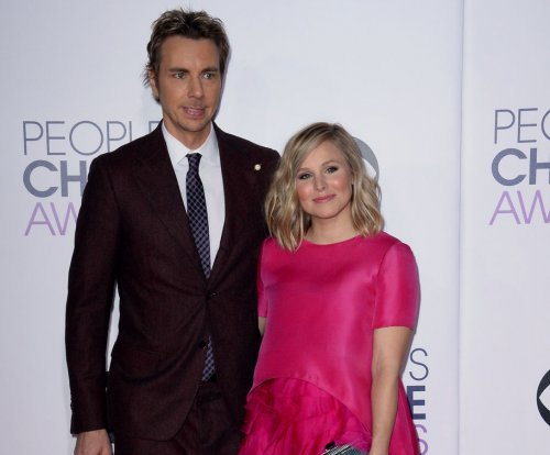 Kristen Bell shares wedding photos, says she's 'really happy'