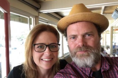 'The Office' alums Jenna Fischer, Rainn Wilson reunite