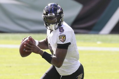 Lamar Jackson returns from injury, leads Ravens to 'MNF' win over Browns