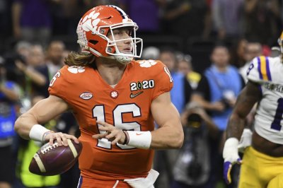 College Football Playoff willing to delay semis, championship due to COVID-19