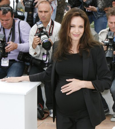 Jolie wants to give birth in France