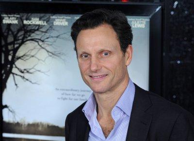 'Scandal' star Tony Goldwyn joins 'Divergent' cast